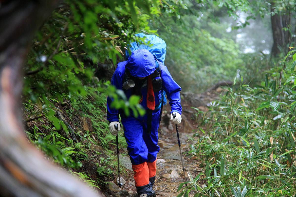 台風の後の登山