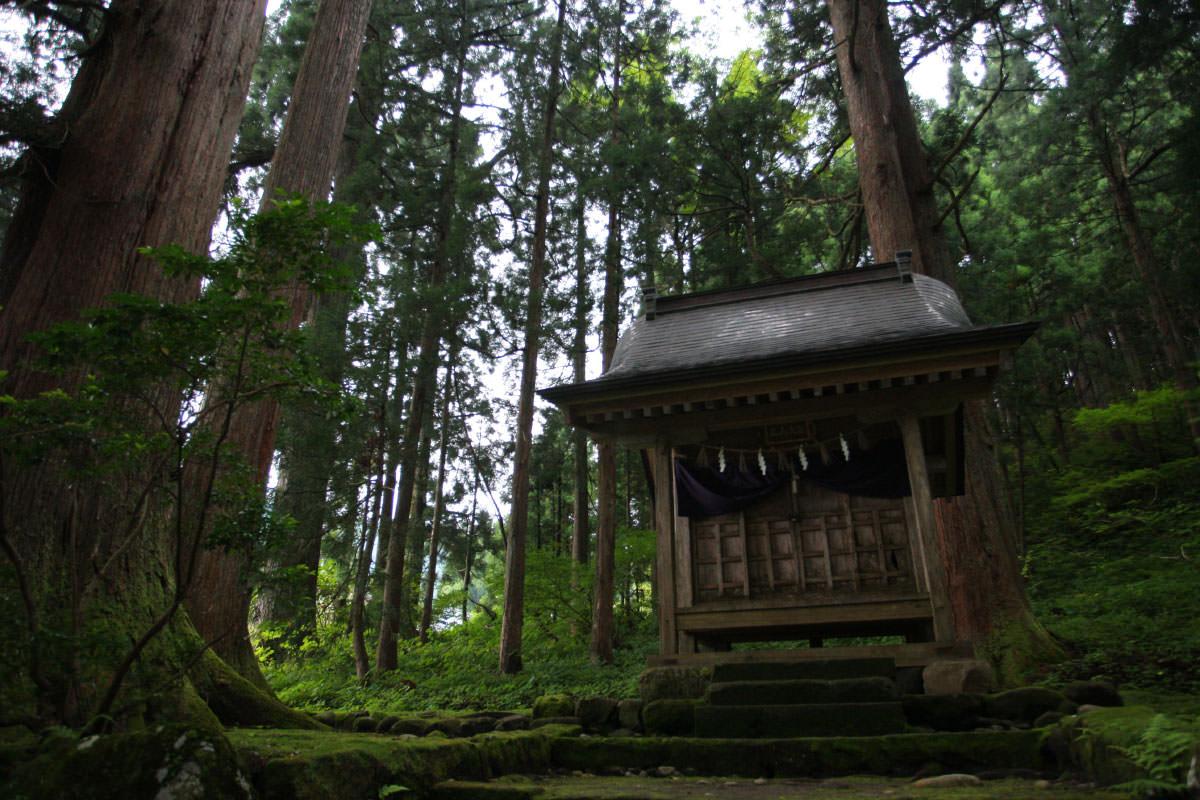 山頂にある神社