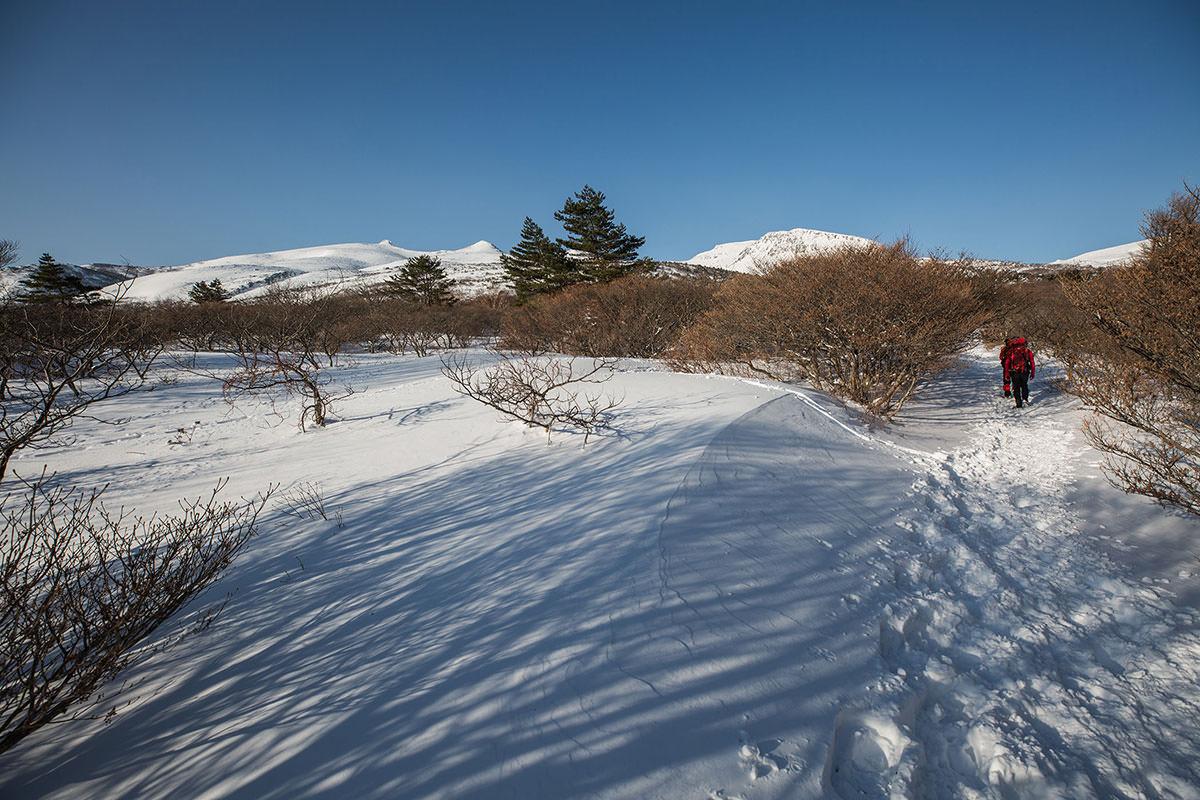 【安達太良山】登山百景-行く先にいくつも峰が見える