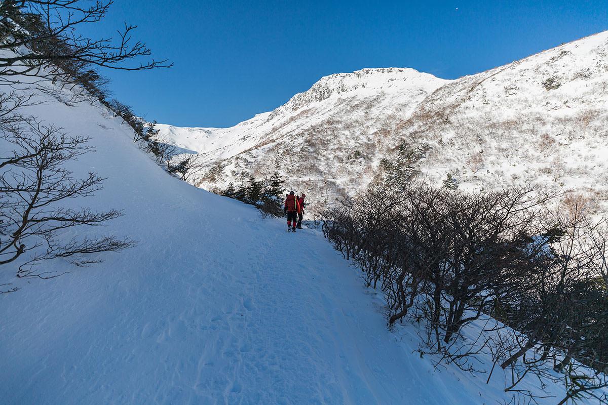 【安達太良山】登山百景-鉄山の岩壁が険しい