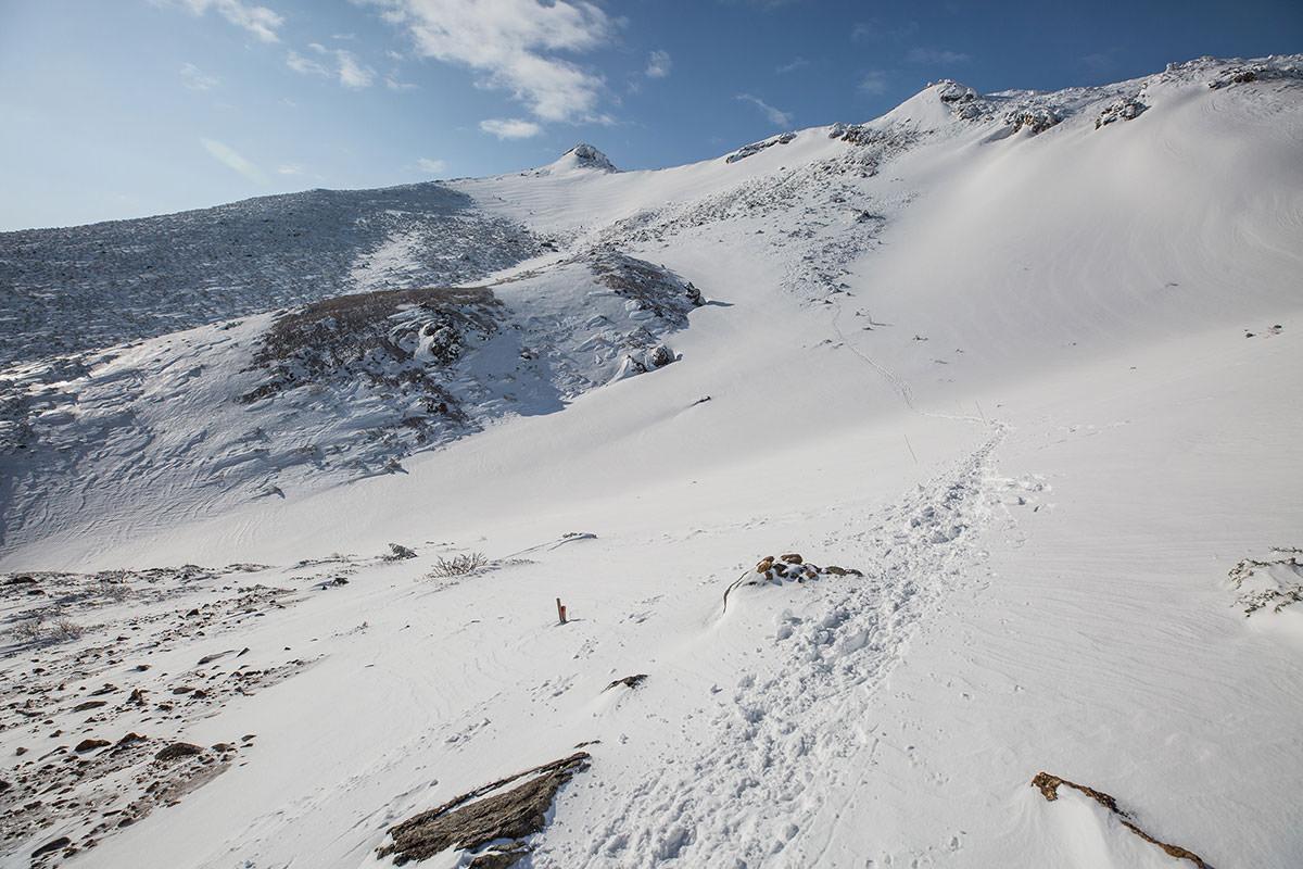 【安達太良山】登山百景-山頂に向けて登り返す