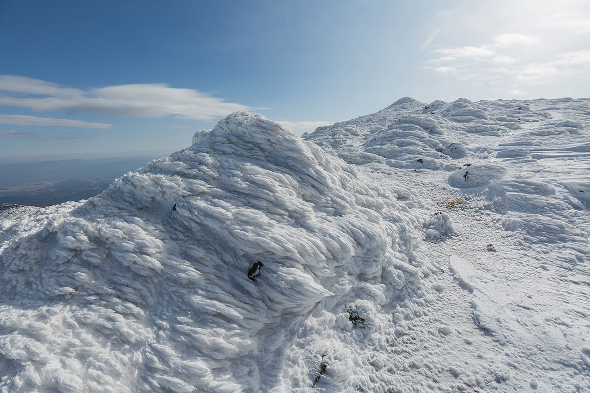 【安達太良山】登山百景-固そうに見えてそうでもない