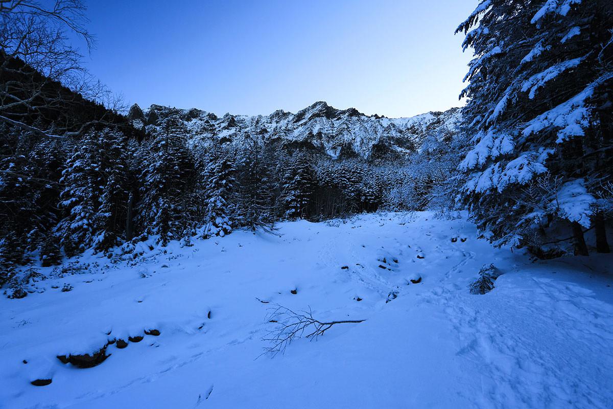 【赤岳】登山百景-横岳が見える