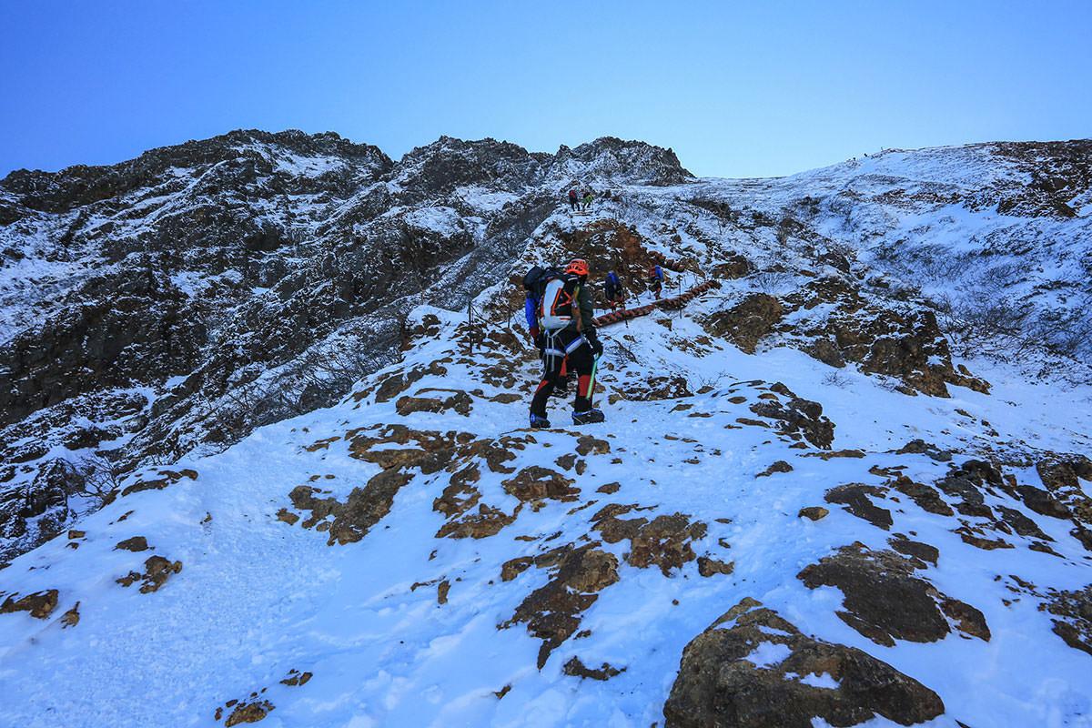 【赤岳】登山百景-もっと階段が続く