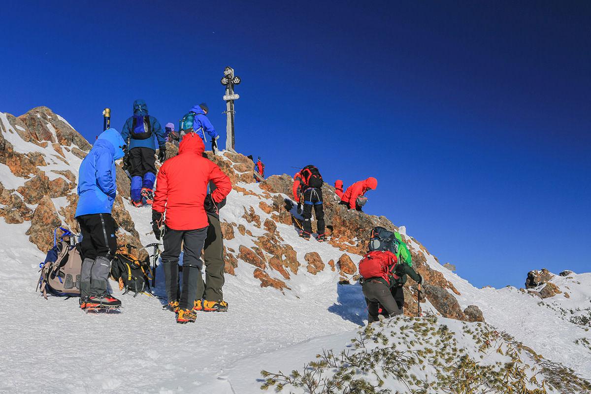【赤岳】登山百景-山頂は人いっぱい