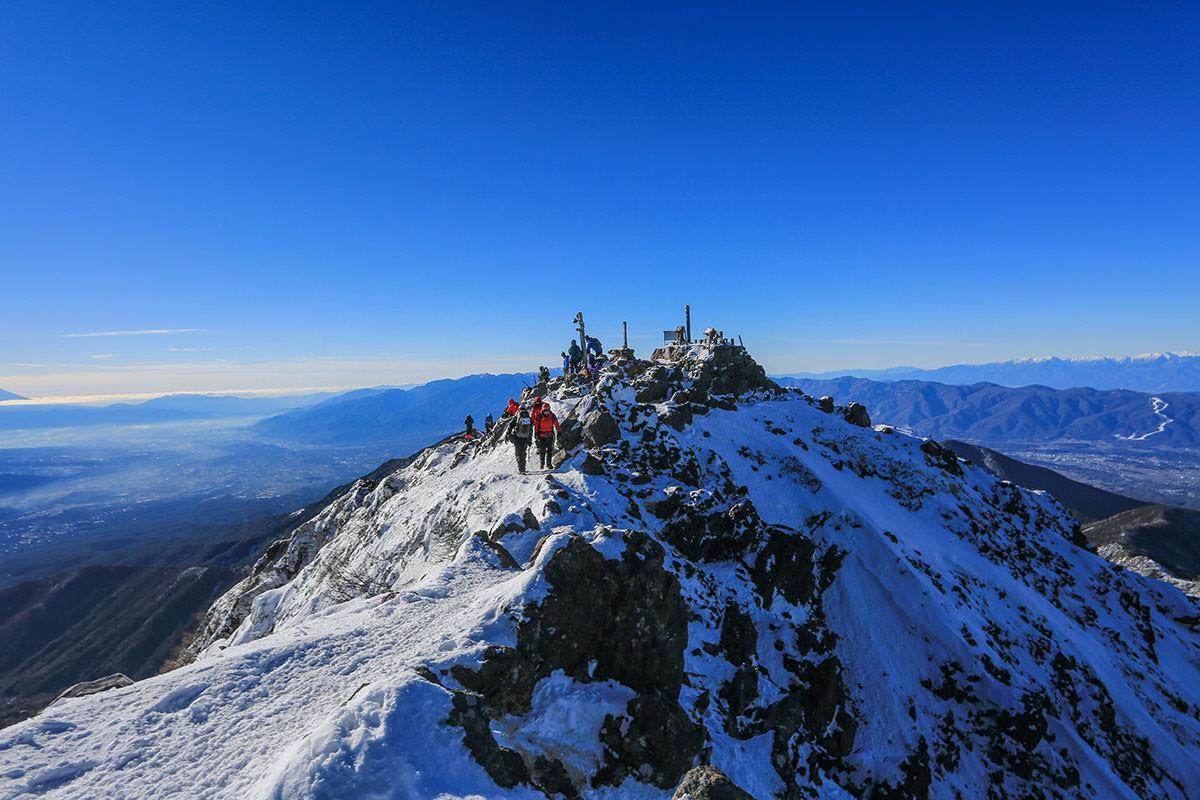 【赤岳】登山百景-北峰から南峰を見る