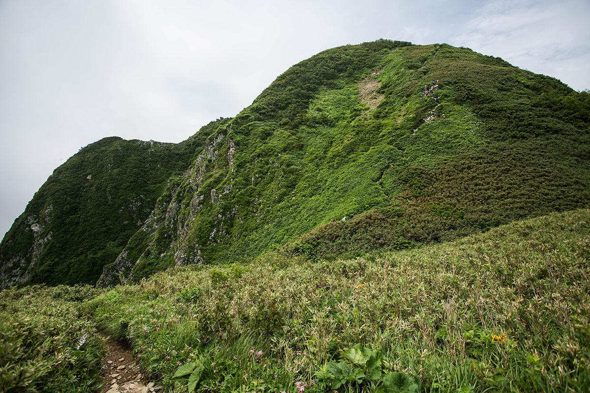 【雨飾山】登山百景-山頂への取り付き