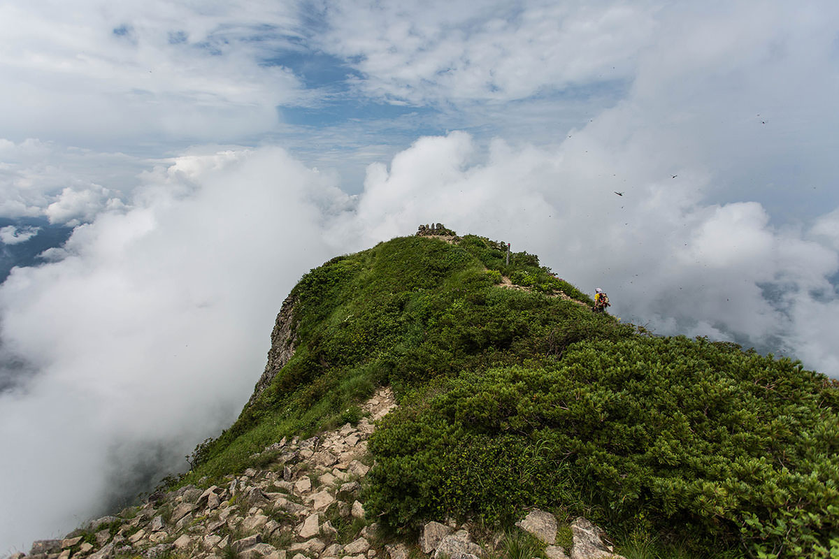 【雨飾山】登山百景-山頂から北峰