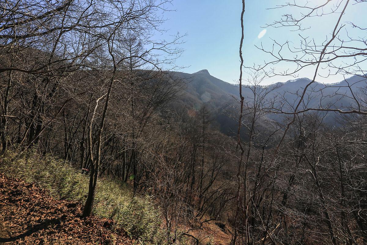 【荒船山】登山百景-経塚山がさらによく見える