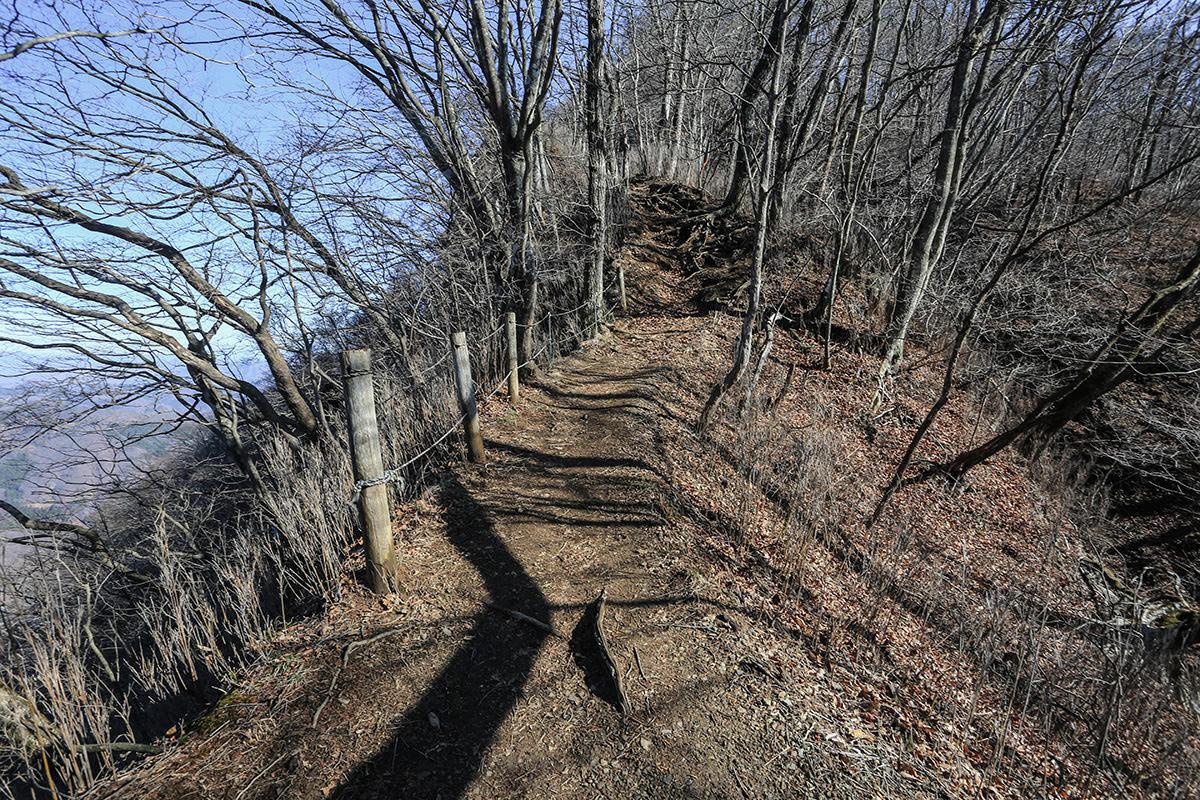 【荒船山】登山百景-狭い尾根ルート