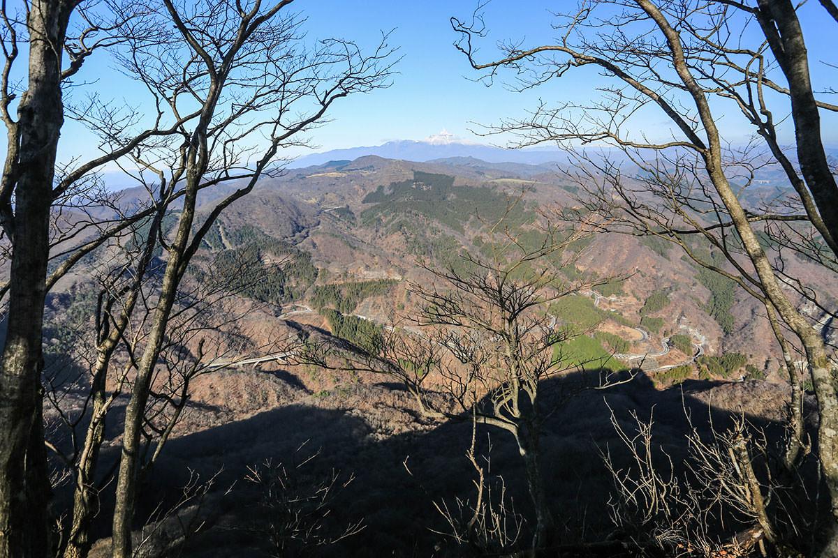 【荒船山】登山百景-崖から眺める
