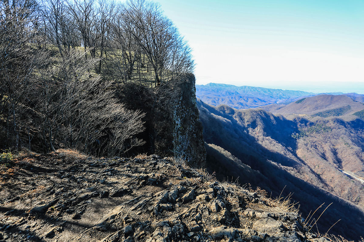 【荒船山】登山百景-展望台の下は崖