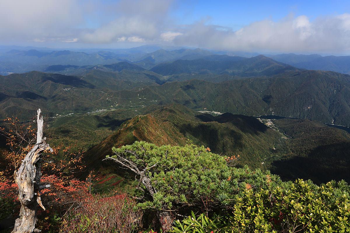 【荒沢岳】登山百景-銀山平の方