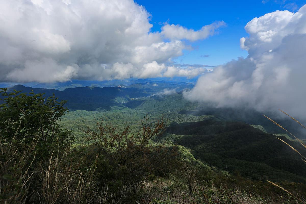 【浅間隠山】登山百景-群馬側も雲の中
