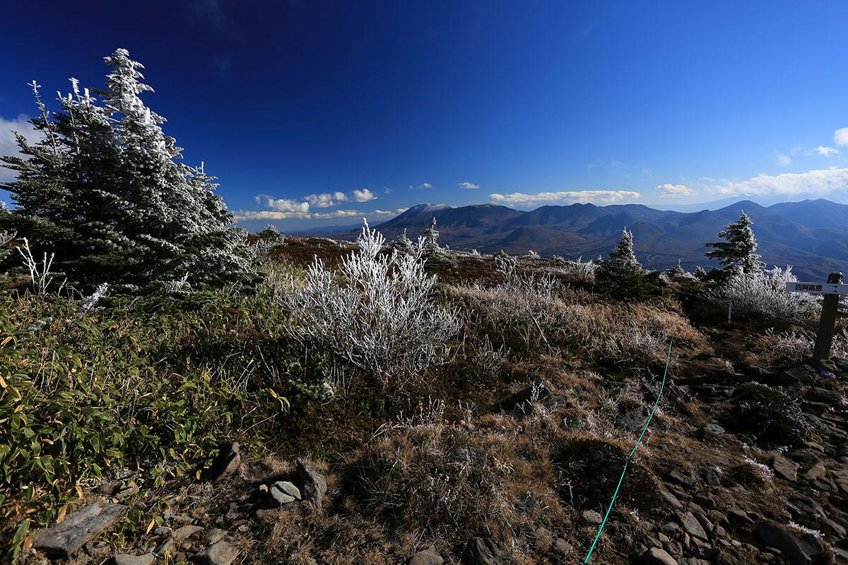 【四阿山】登山百景-向こうに浅間山