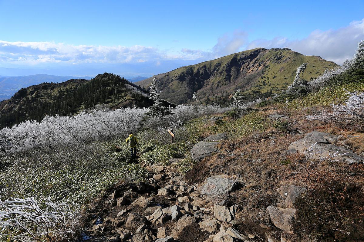 【四阿山】登山百景-根子岳ぐらいまで下りてきた