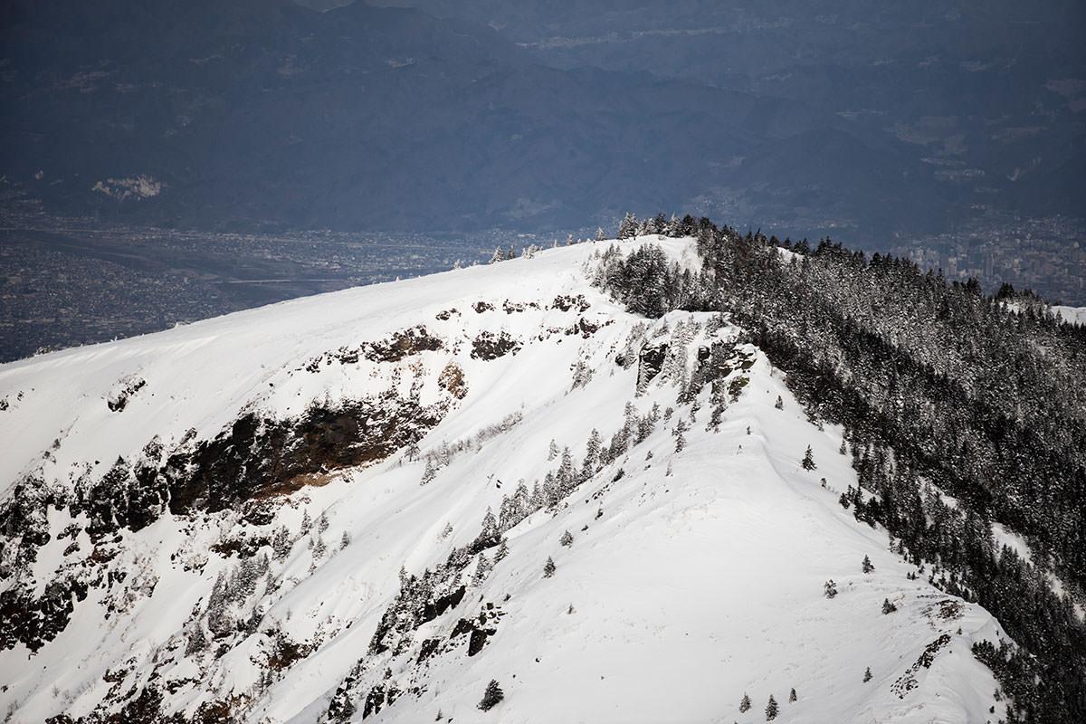 根子岳からの登山道には踏み跡が無さそう