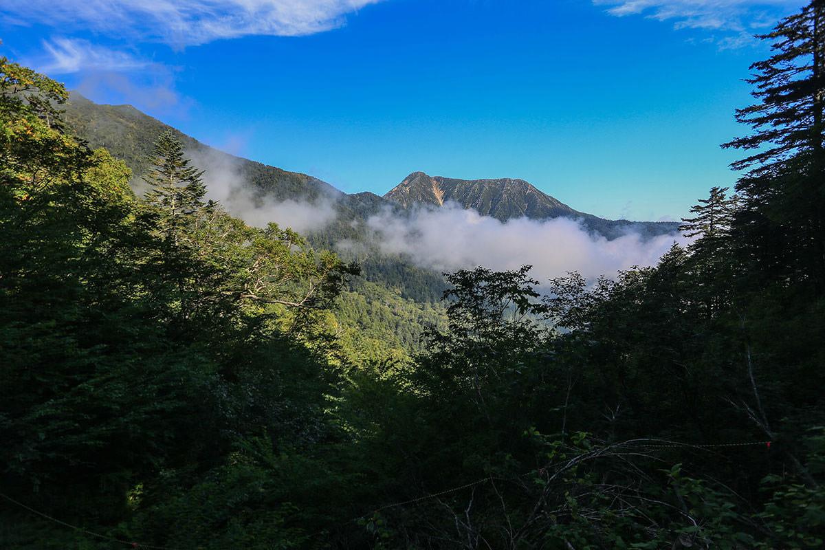 【蝶ヶ岳】登山百景-常念岳が見えた