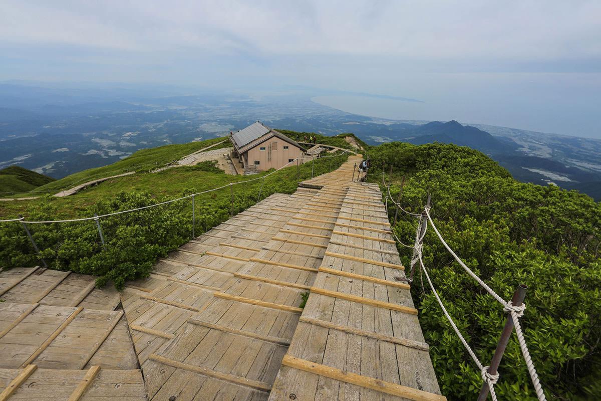【大山 夏山登山道】登山百景-登って来た方を見下ろす
