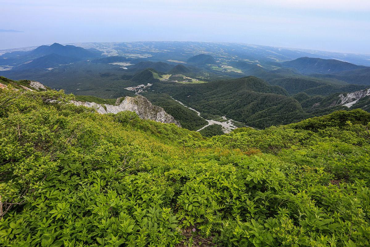 【大山 夏山登山道】登山百景-海の方を眺める