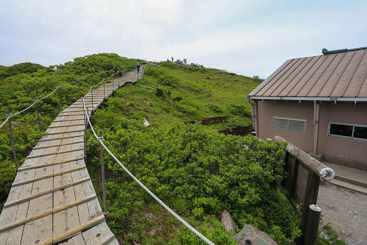 【大山 夏山登山道】登山百景-避難小屋から振り返る