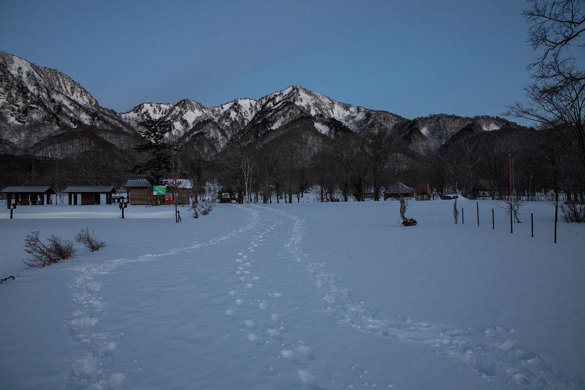 高妻山-前には五地蔵山が見える