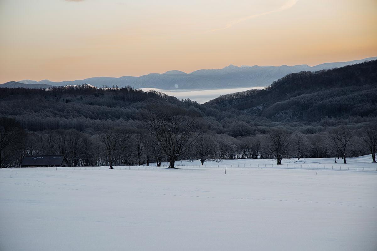 高妻山-苗場山や鳥甲山が見える