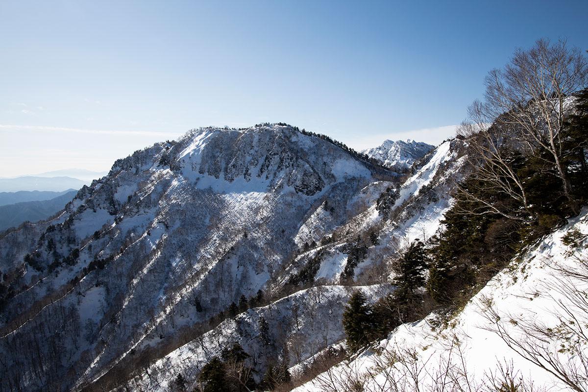 高妻山-九頭竜山と西岳方面