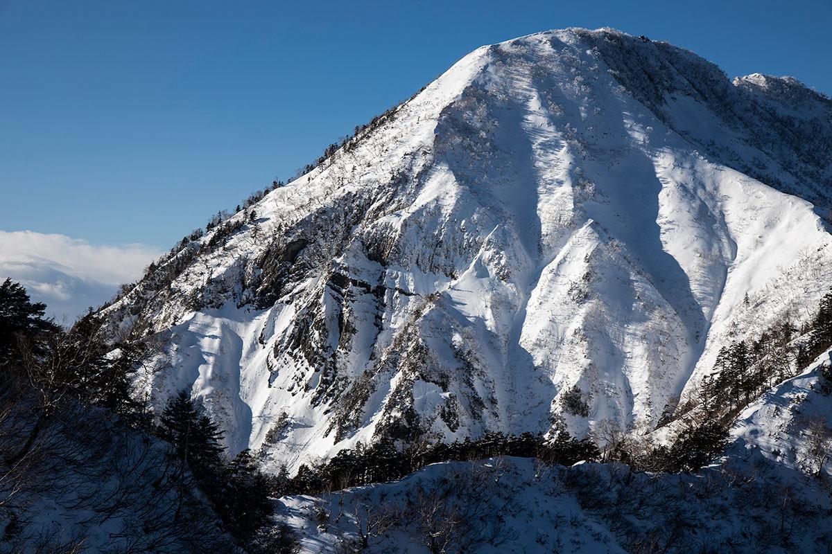 高妻山-あの岩壁が激しい
