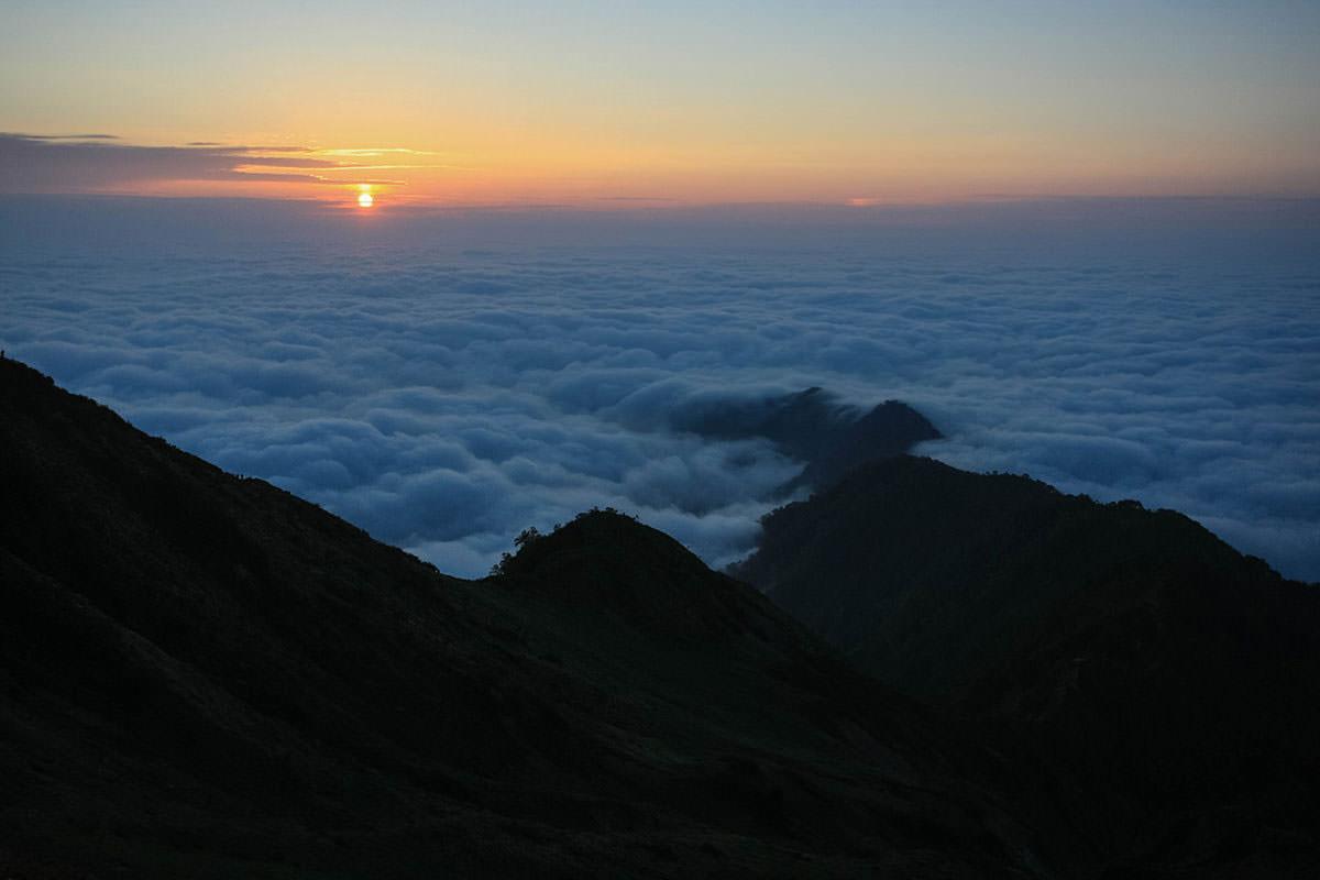 雲海から日の出