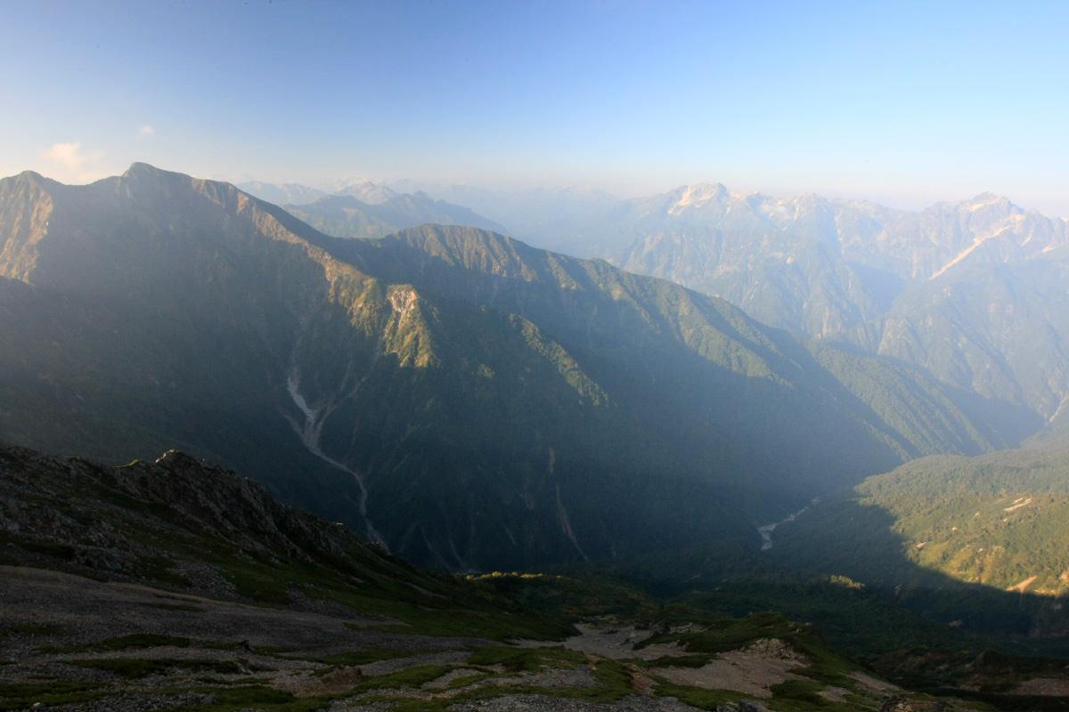 五竜岳から見る剣岳と槍ヶ岳と鹿島槍ヶ岳