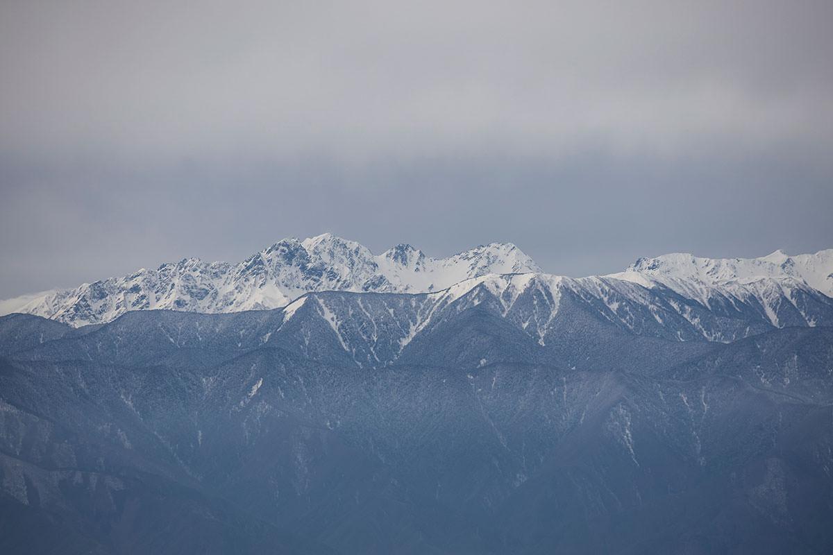 穂高岳がゴツゴツしている