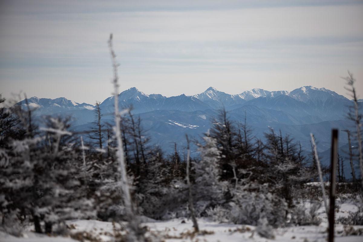 少し山頂からズレると南アルプスが見える
