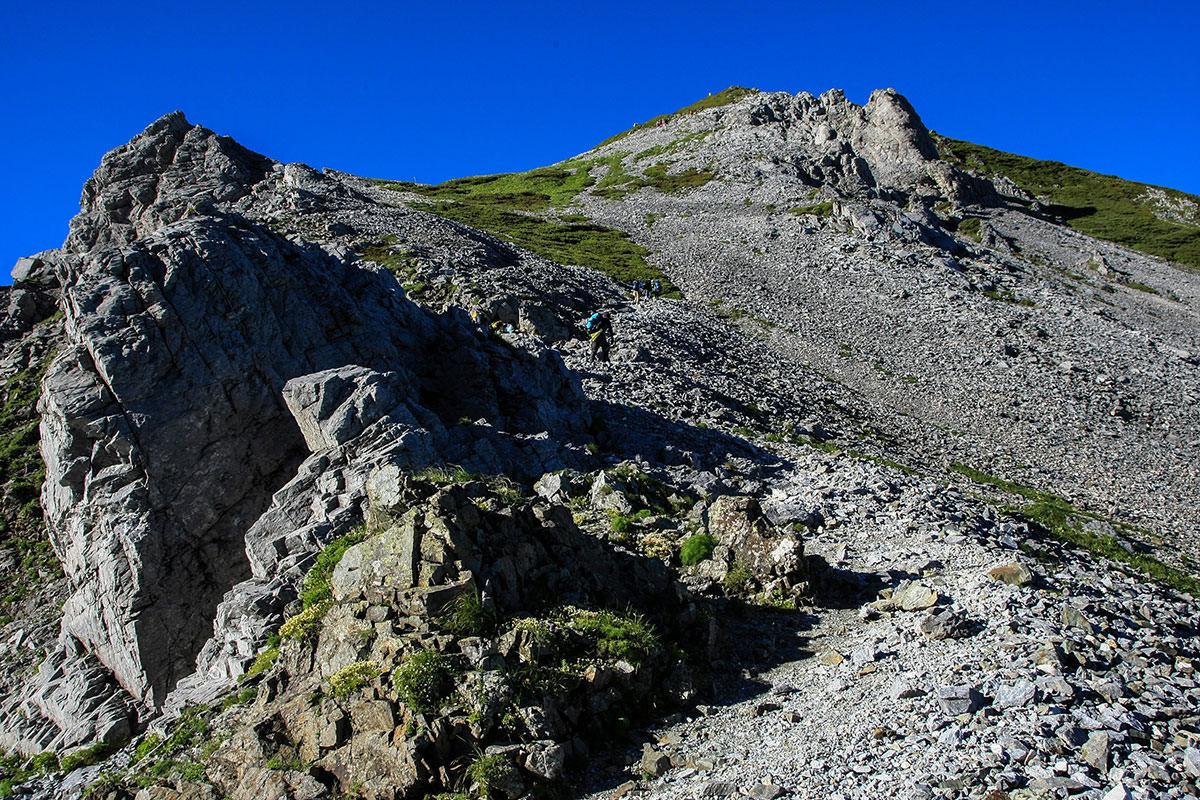 鑓ヶ岳への急登
