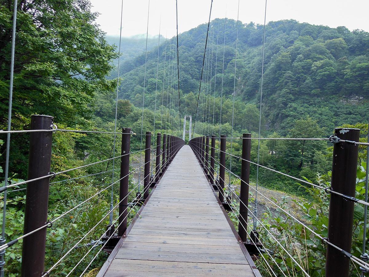吊り橋長い。揺れる・・