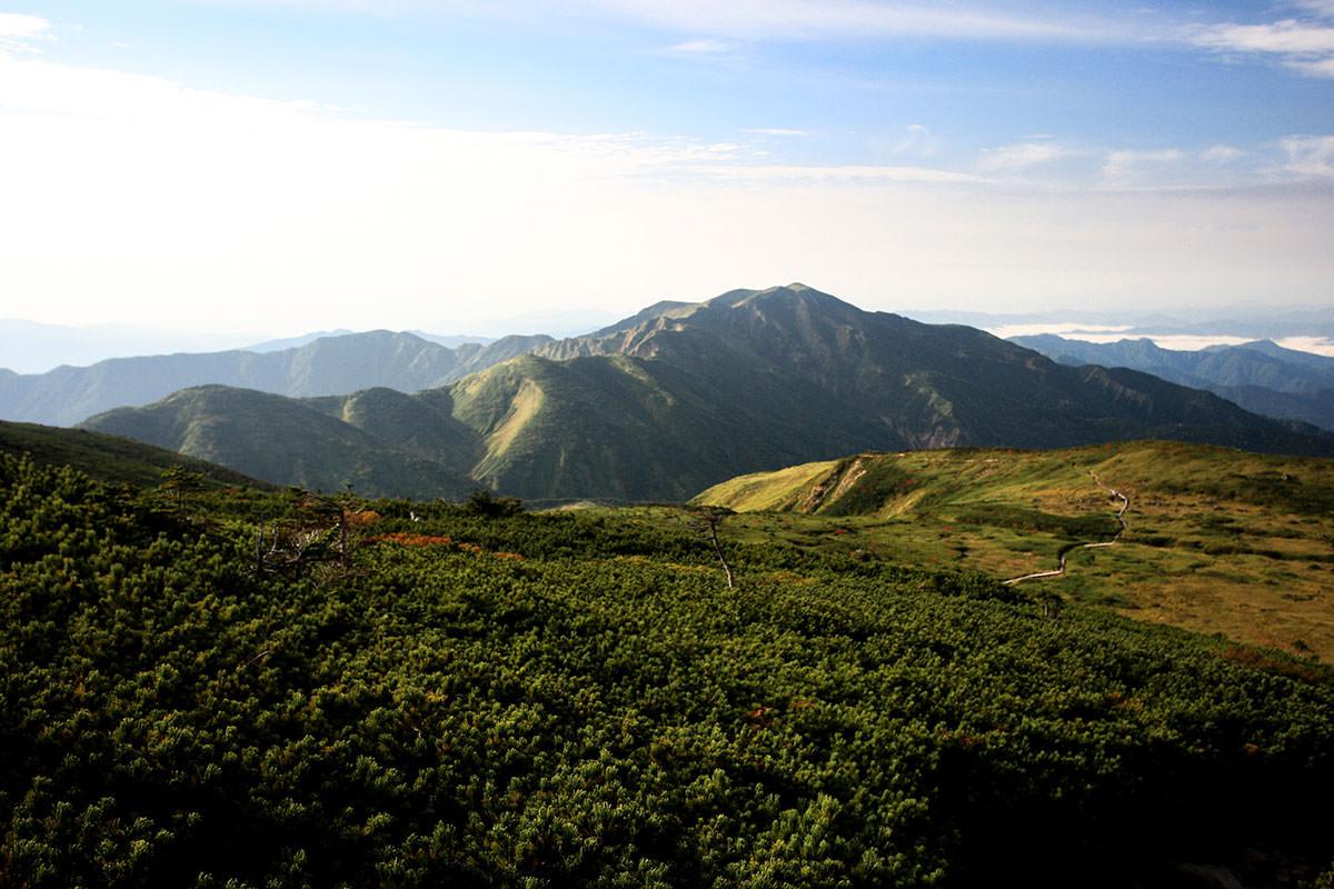 南側には別山