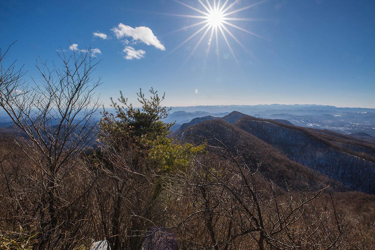 【鼻曲山】登山百景-県境の山並み