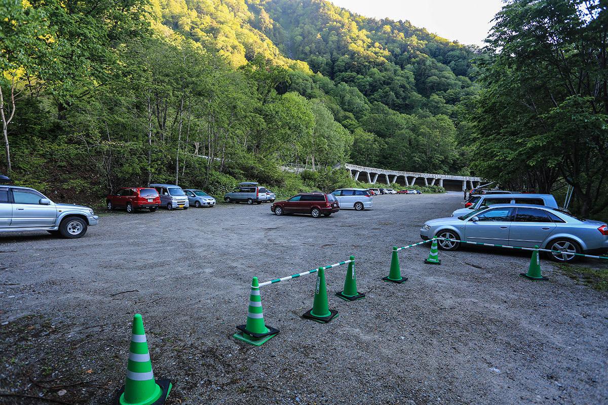 【針ノ木岳】登山百景-下の駐車場は無料