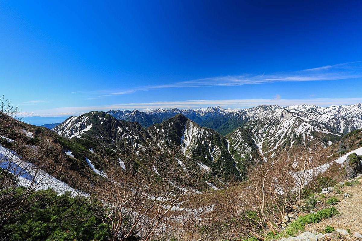 【針ノ木岳】登山百景-針ノ木峠は眺めが良い!