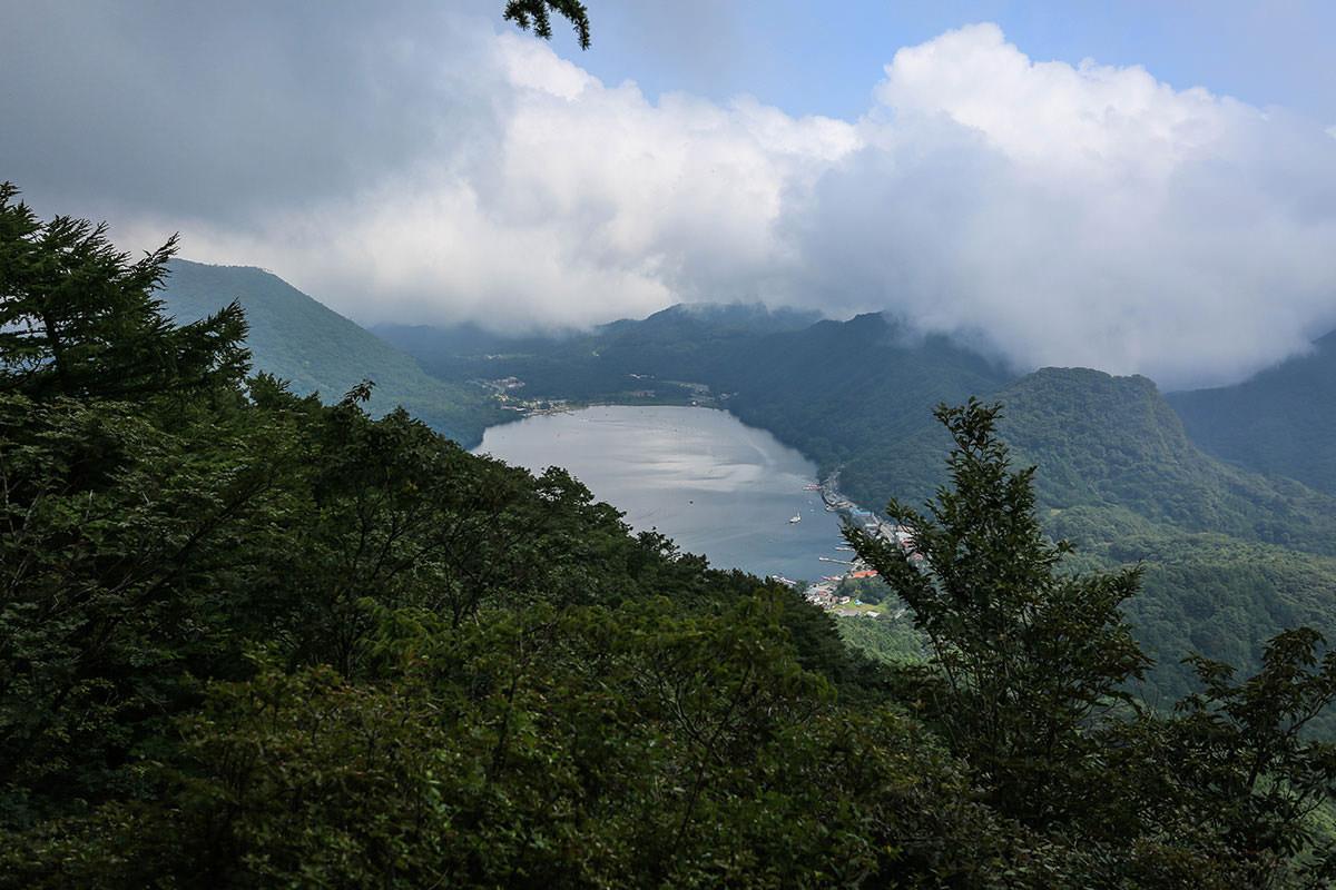 【榛名山】登山百景-下に榛名湖