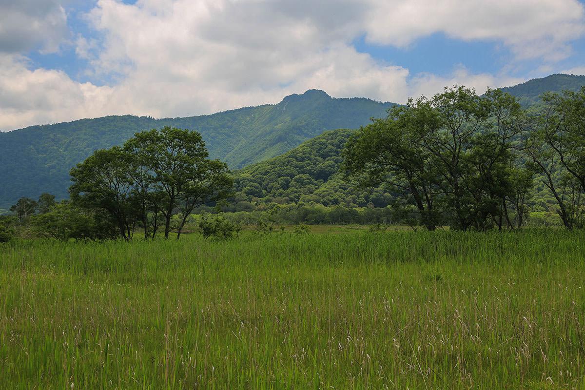 【燧ヶ岳】登山百景-景鶴山が右手に