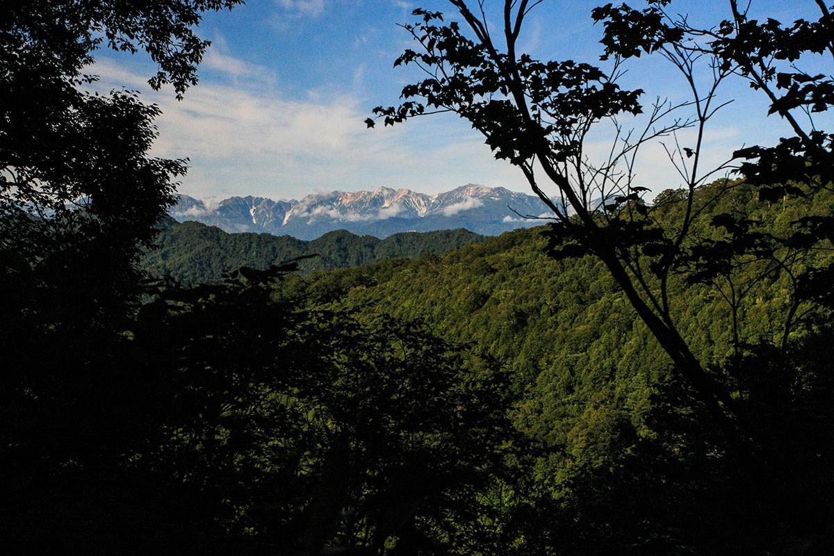 【火打山】登山百景-北アルプスが見える