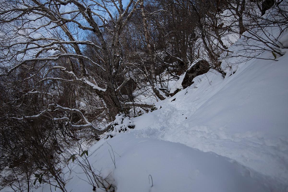 このへんから雪がいっぱいでアイゼン装着