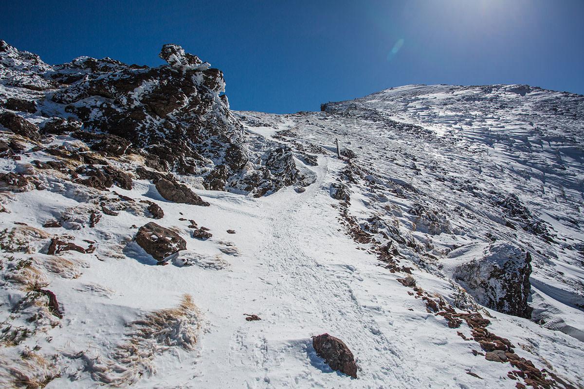 【硫黄岳 本沢温泉】登山百景-石も多い
