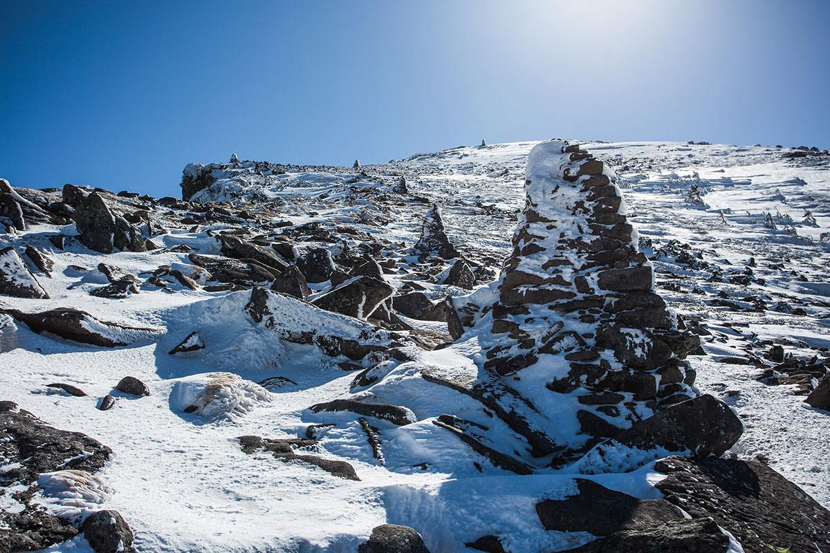 【硫黄岳 本沢温泉】登山百景-標も氷ってる