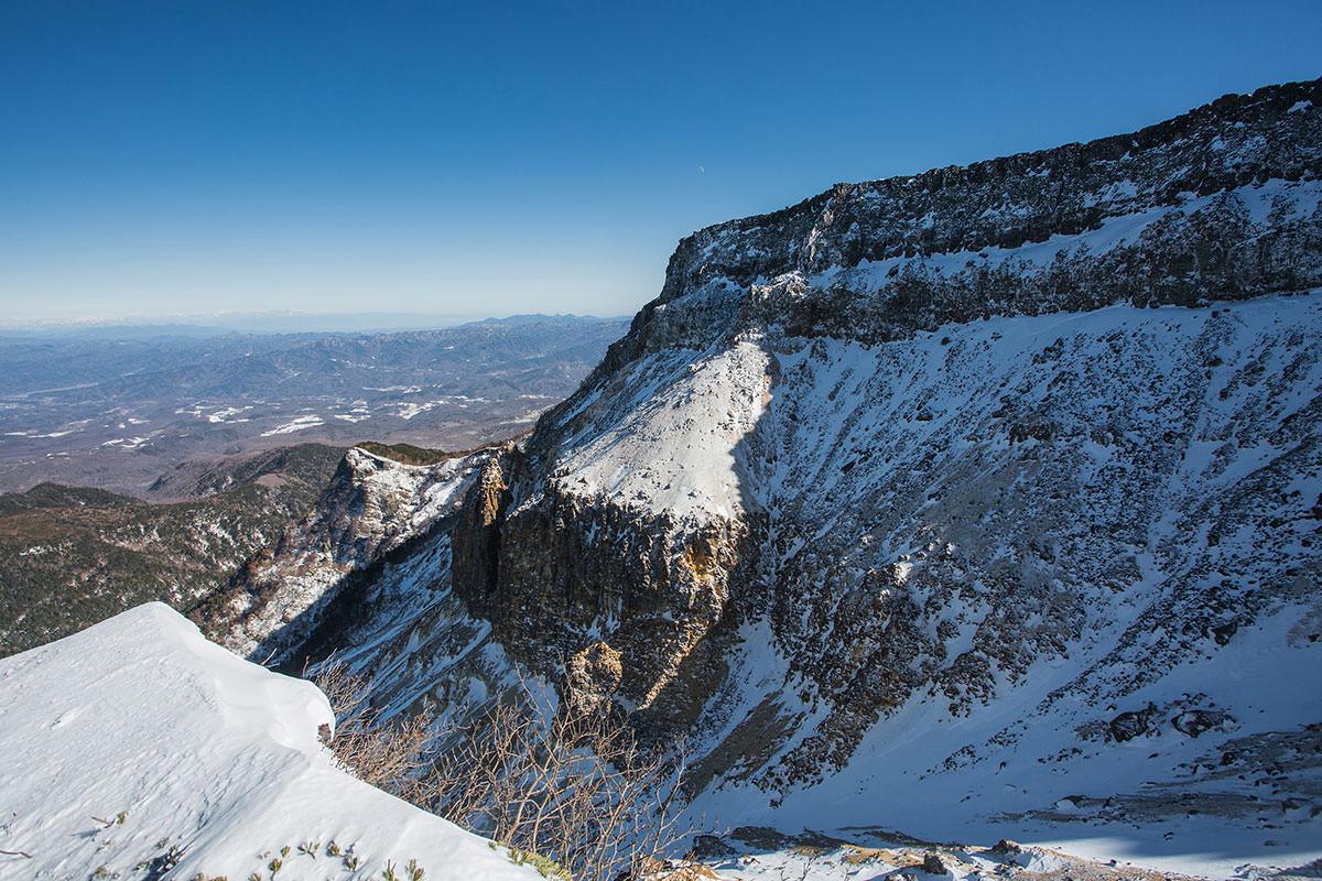 【硫黄岳 本沢温泉】登山百景-北八ヶ岳の先の景色もくっきり