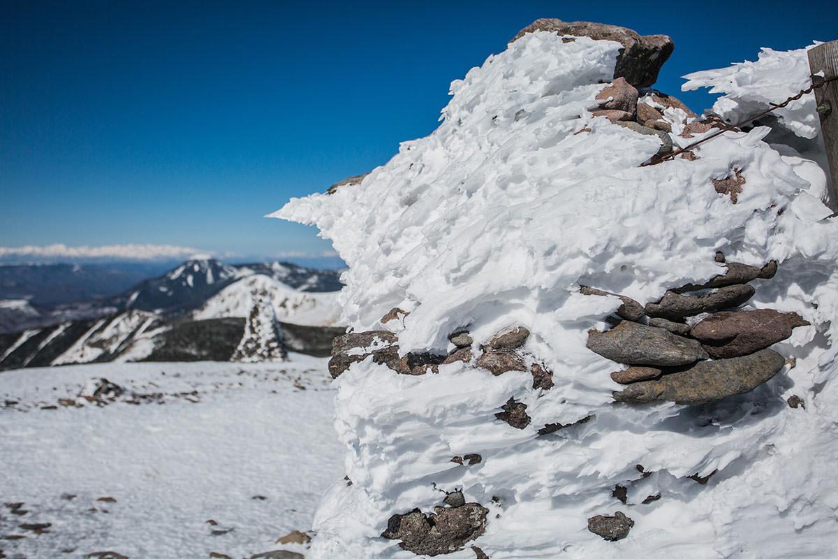 【硫黄岳 本沢温泉】登山百景-山頂も氷がたくさん