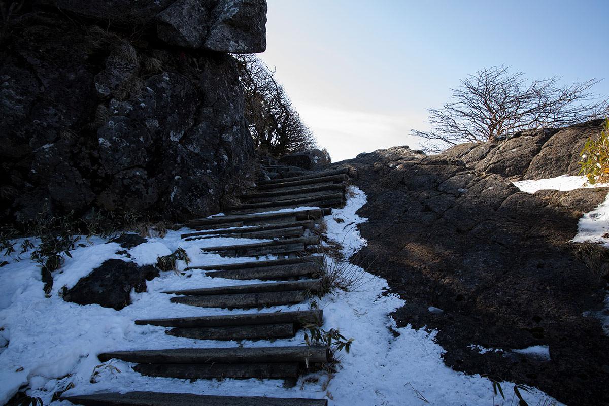 ここを登ると稜線