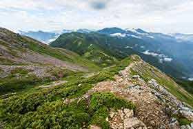 茶臼岳方面へ向かう