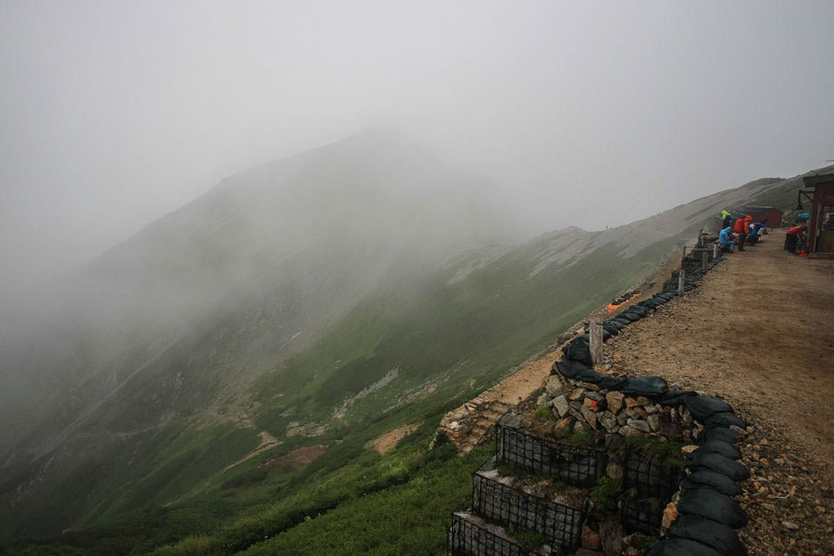 唐松岳は雲の中